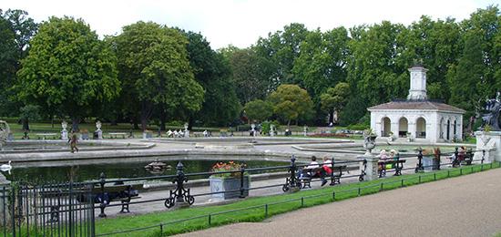 Londen_Kensington_Garden_Fountains.jpg