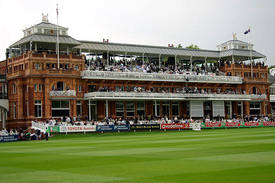 Londen_Lord's_Pavilion.jpg