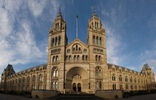 Londen_Natural_History_Museum_London_Jan_2006.jpg