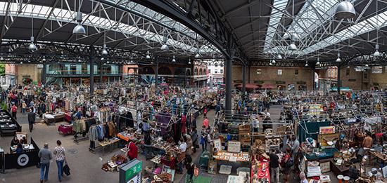 Londen_Spitalfields_Market_Panorama,_London,_UK_-_Diliff.jpg