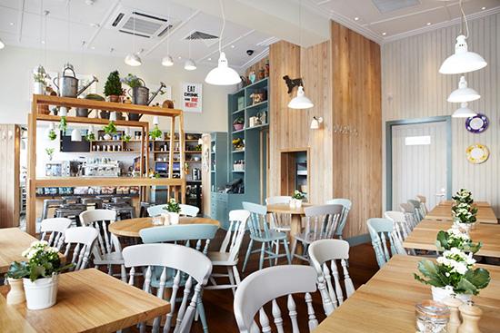 Londen_muriels-kitchen-restaurant-south-kensington-chairs.jpg