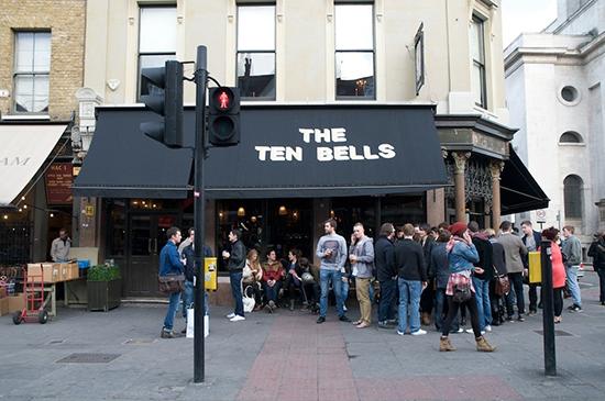 Londen_ten-bells-eat-drink-bars-pubs-large.jpg